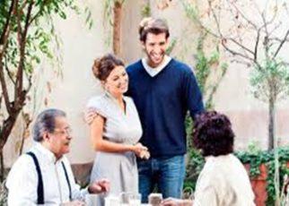 Cara Ampuh Mengenalkan Pasangan ke Orang Tua