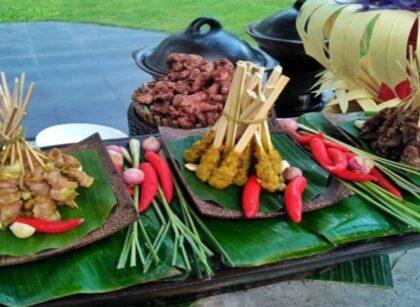 6 Rekomendasi Tempat Makan Sate Lilit Khas Bali yang Halal