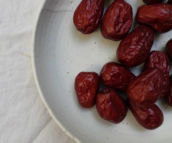 Dampak Buruk Konsumsi Kurma Berlebihan, Buah Favorit Saat Ramadan